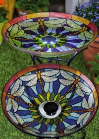 bird_bath_with_solar_light